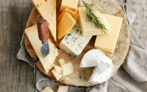 Variez les fromages pour votre prochaine raclette party !