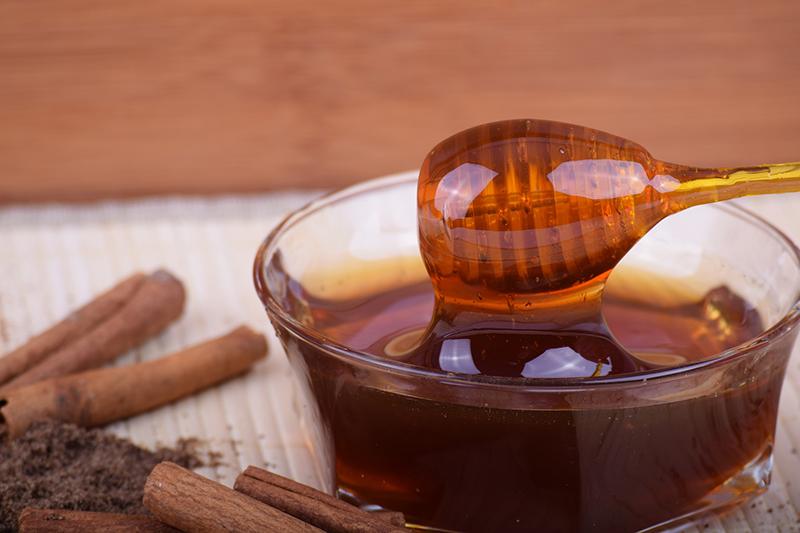 Exit le sucre blanc, place au miel !
