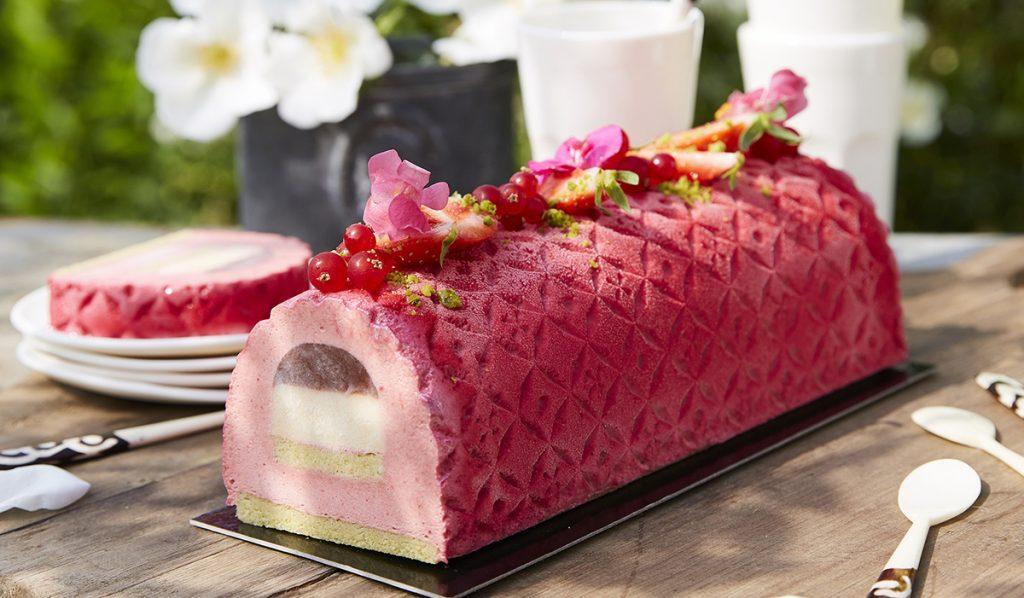 Voir la recette de Bûche à la fraise et à la mandarine