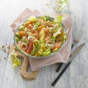 la salade iceberg au saumon et agrumes